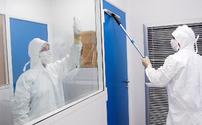 Mise à blanc et décontamination de salle propre/laboratoire classé