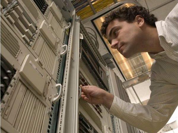 Nettoyage salles informatiques/data centers, dépoussiérage matériel informatique - Hygiatech Services