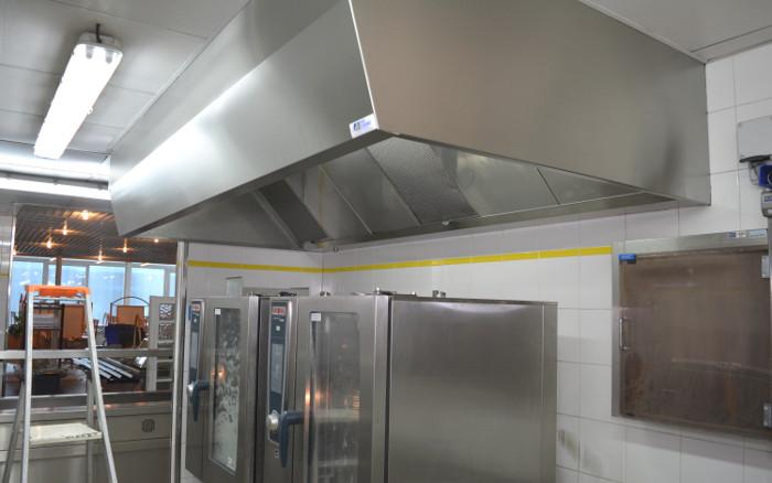 Dégraissage hotte de cuisine - EPS PAUL GUIRAUD - HYGIATECH SERVICES